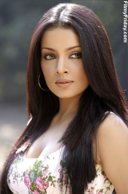 Selina Jetli Hot Photos http://bollywoodvoice.blogspot.com/2011/09/celina-jaitley-pregnancy-report-drifted.html