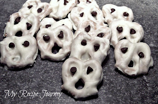 Pretzel Ghosts - Halloween Food