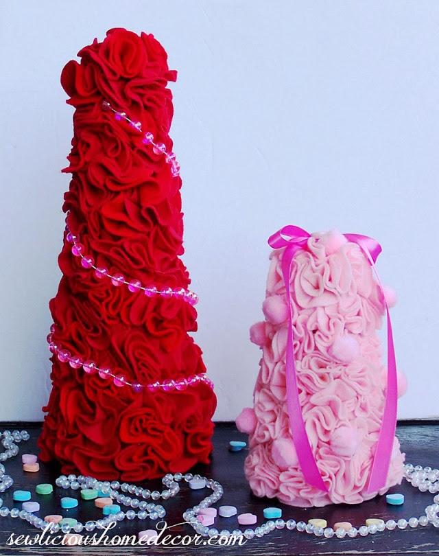 http://sewlicioushomedecor.com/felt-valentine-tree-tutorial-valentines/