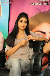 Shriya-Stills-at-Pavitra-Movie-Pressmeet