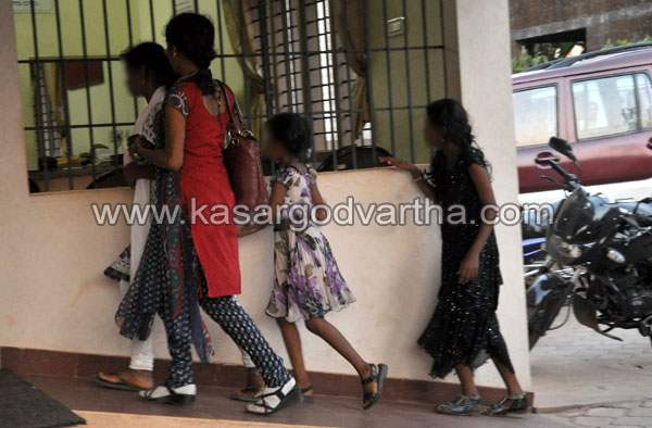 Arrest, Women, House, Police-Raid, Girl, Childrens, Lodge, Investigation, Police, Mangalore, Kerala News, International News.