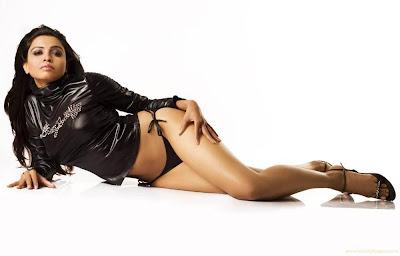 Aaliyah Dana Haughton Glamorous Wallpaper