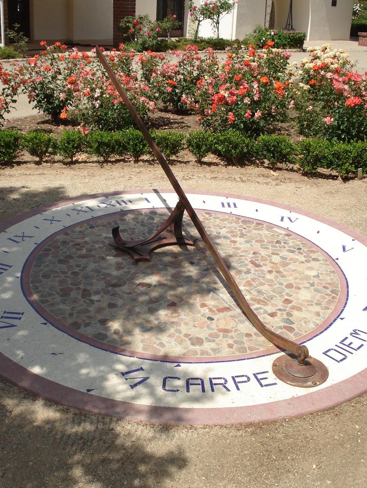 http://3.bp.blogspot.com/-skE-PH6kV5o/Tc9uC1SU1wI/AAAAAAAAIxY/pB5bUrkjmRA/s1600/Art+Sundial.jpg