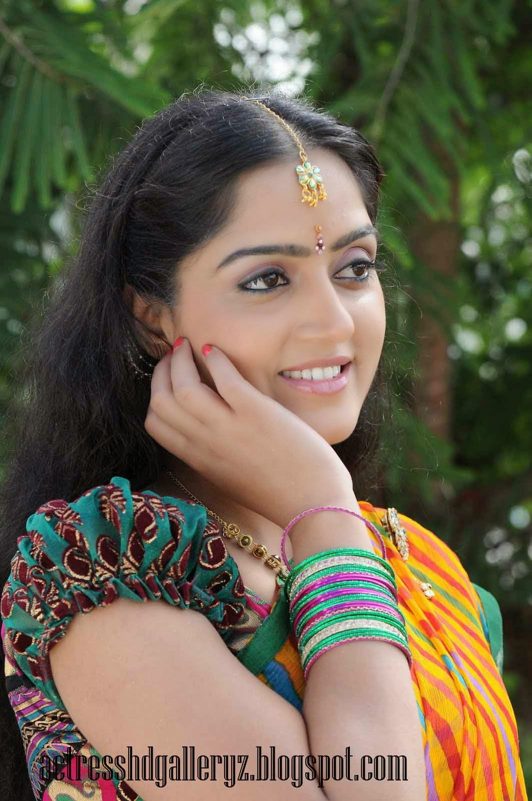 D, Divya Singh, Divya Singh Hot pics, Actress HD Photo Gallery, HD Actress Gallery, latest Actress HD Photo Gallery, Latest actress Stills, Tamil Actress, Tamil Actress photo Gallery, Half Sari photo Stills, Indian Actress, Actress, Dear Swapna movie actress Divya Singh latest Half saree Stills