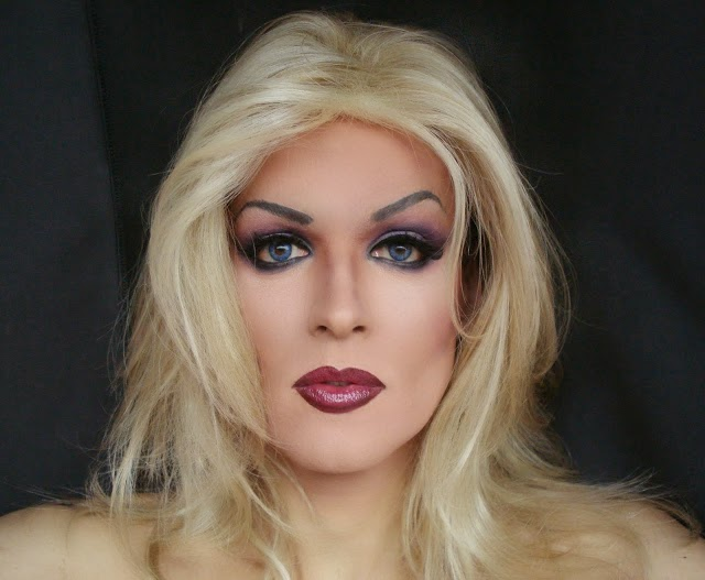 crossdresser blue eyes