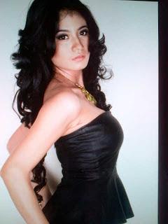 Foto Seksi dan Hot Lina Marlina Istri Kiwil