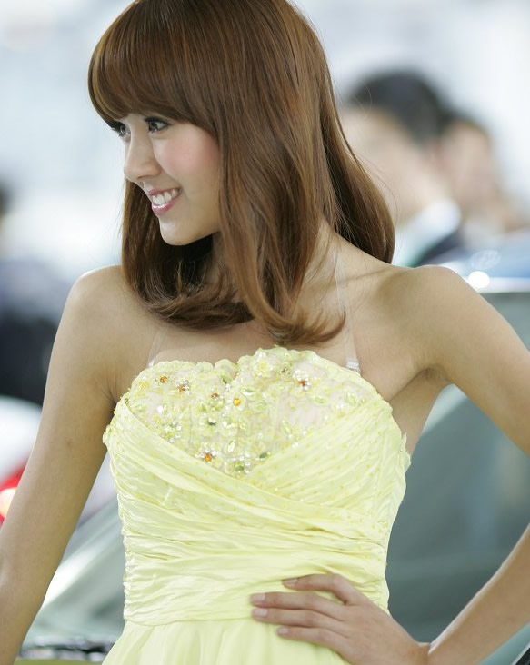 Zixuan Zhang Sexy in Yellow Dress-01