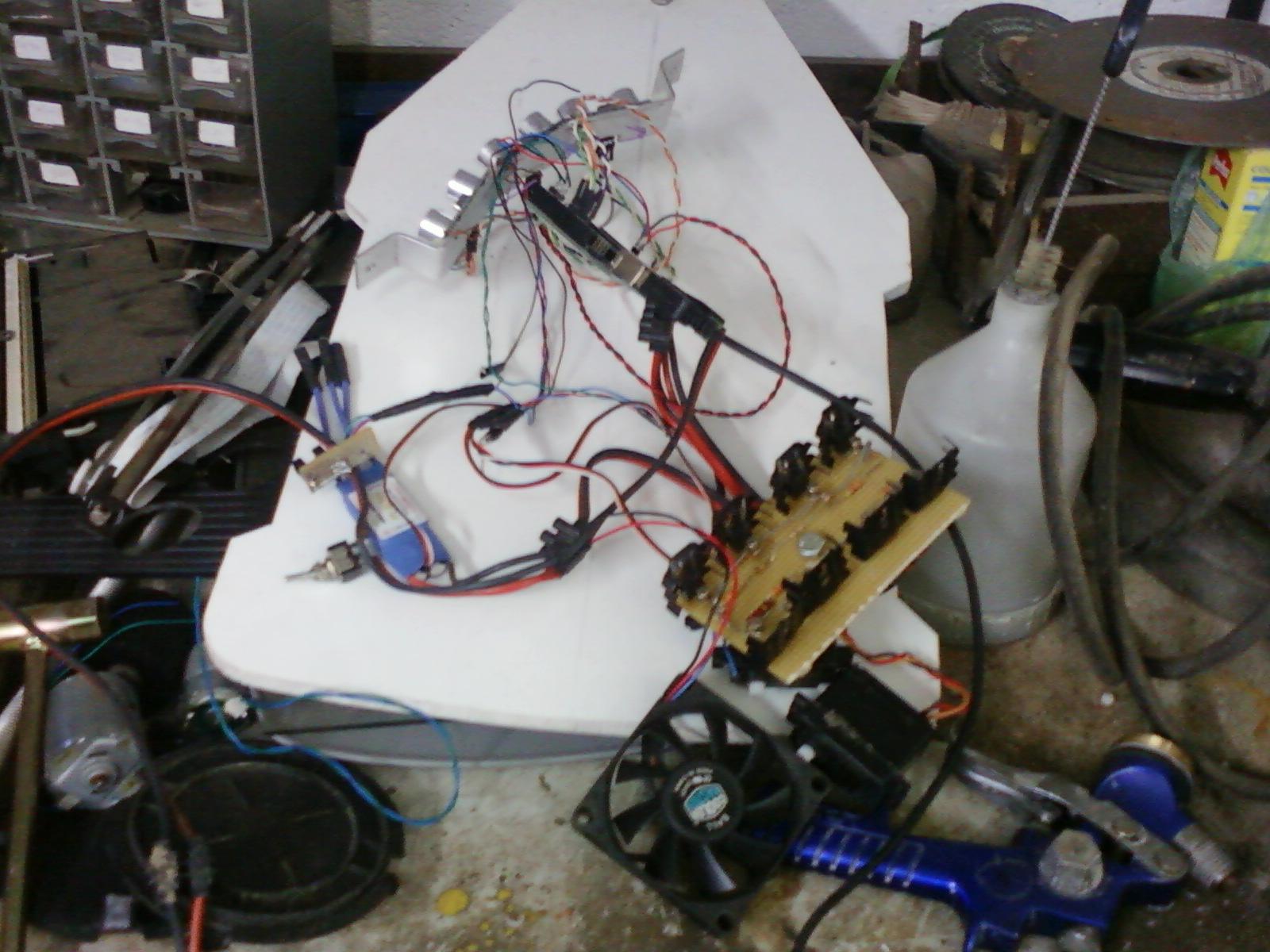 Gt diy cutflower tondeuse robot par arduino démontage