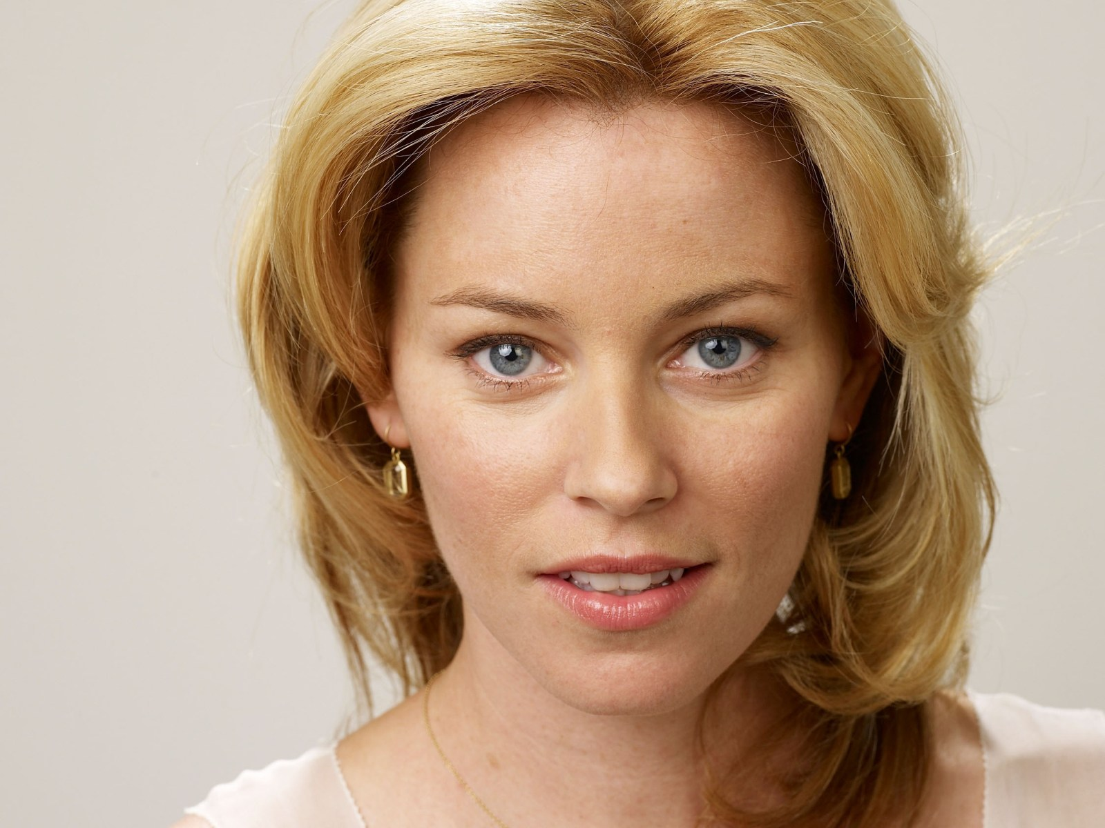 Elizabeth Banks Net Worth