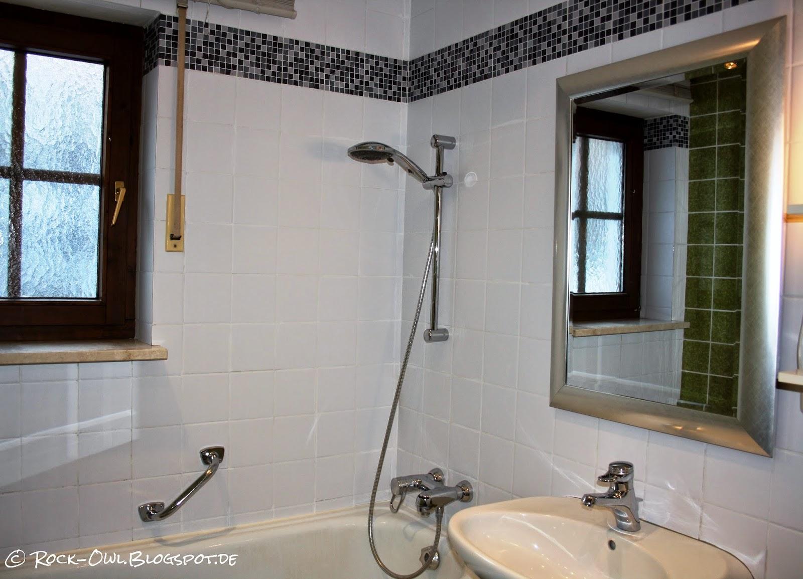 rock and owl blog: aus grün mach weiß: ich kleb' mir ein neues bad ♥, Badezimmer ideen