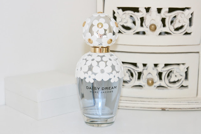 Katherine Penney Chic Bedroom Details Pastel Summer Pretty Perfume Marc Jacobs Daisy Dream