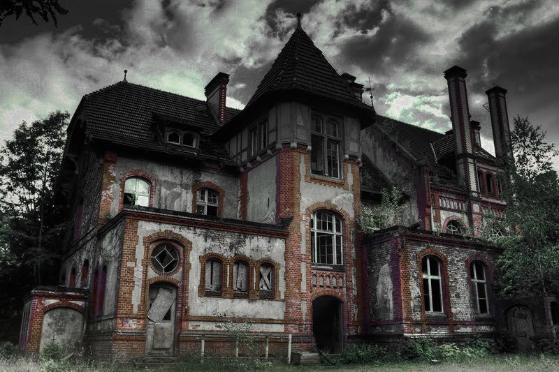 Top 20 Haunted Houses movies