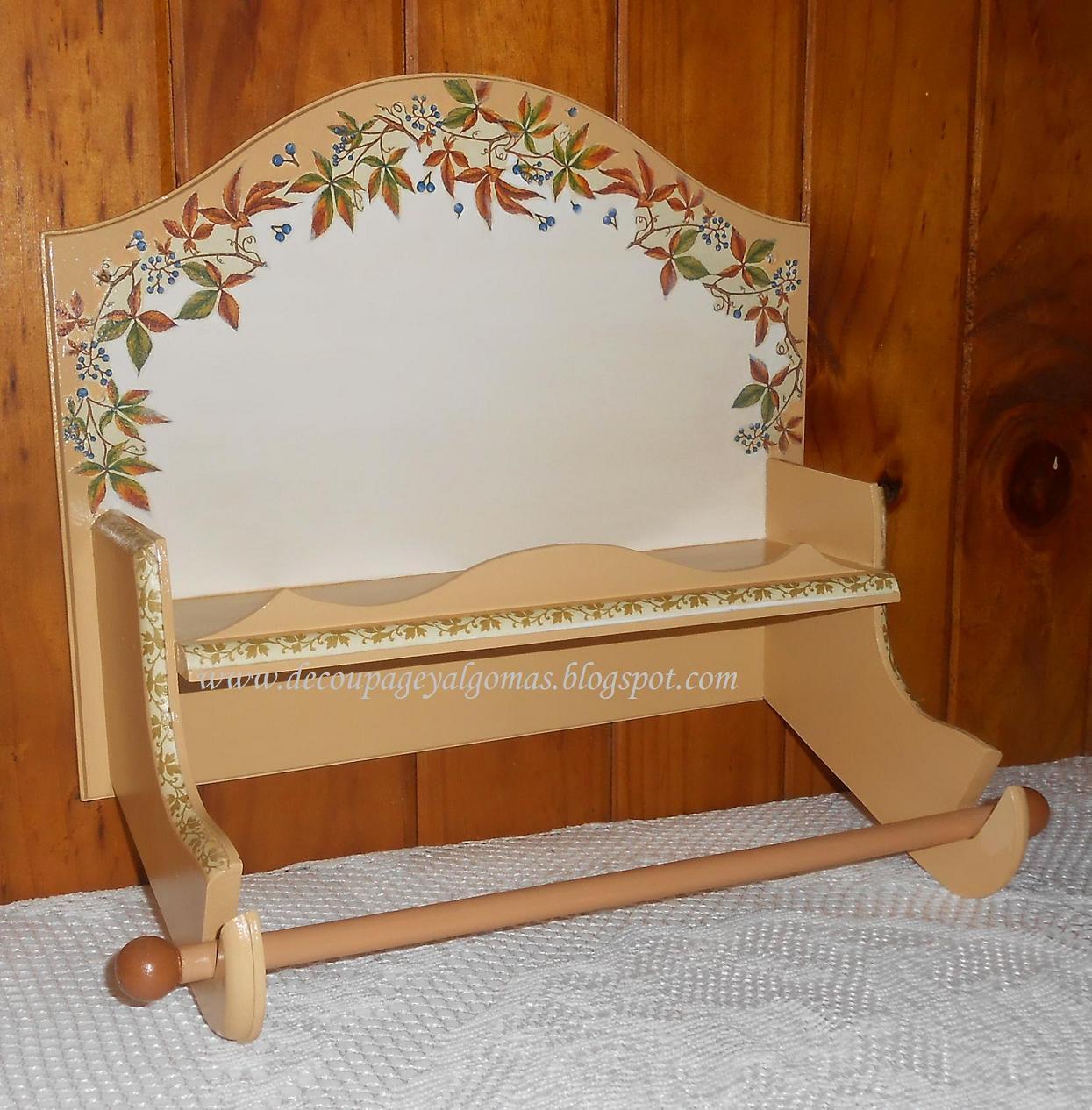 Decoupage y algo m s porta rollo y repisa con decoupage for Muebles de cocina originales