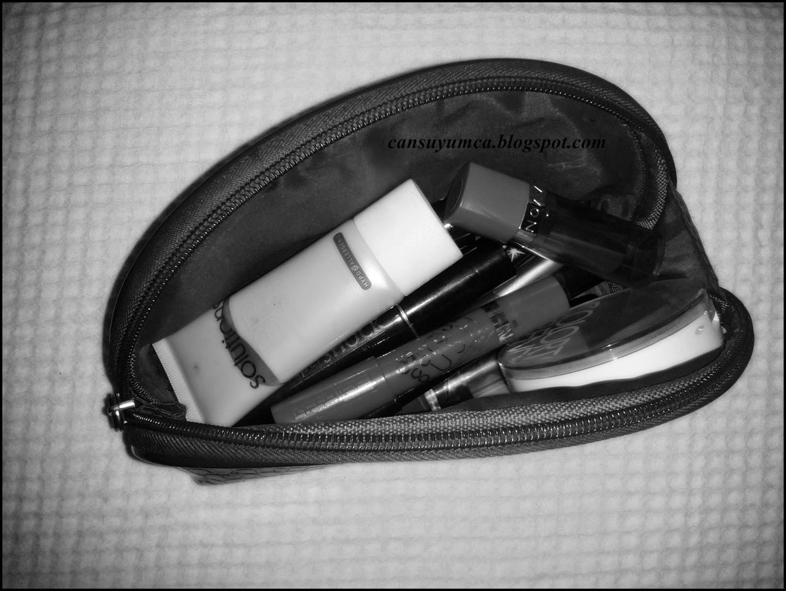 Avon makyaj çantasi
