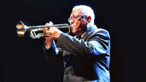 """Joaquim Almeida """"Morgadinho"""" (1931-..., músico, compositor e cantor)"""