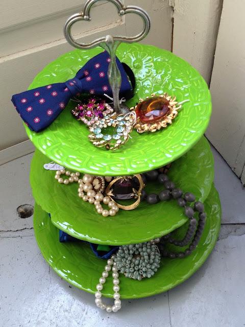 vintage, necklaces, papillons, pregadeiras