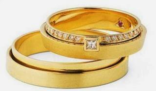 Estilos de alianças de aniversário de 50 anos de casados com pedras encrustadas