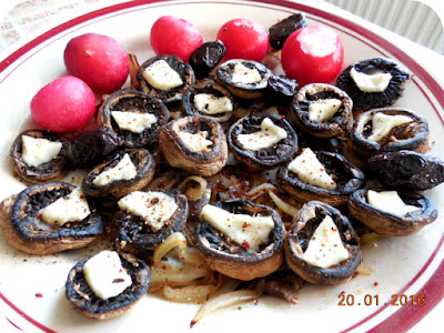 ciuperci coapte cu branza