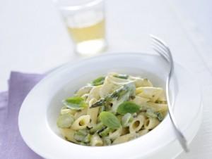pennette con asparagi ricotta e pepe verde, ricette cin asparagi