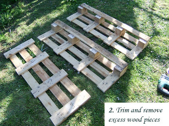Strawberry pallet planter do it yourself ideas and projects for Strawberry pallet
