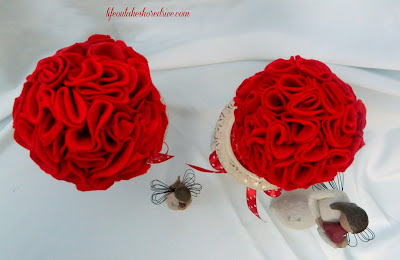 "alt=""Life on Lakeshore Drive DIY Valentine's Felt Roses Topiary using wiffle tutorial"""