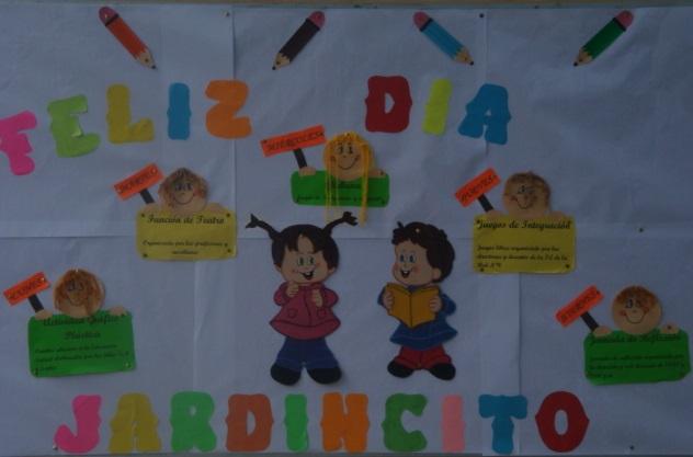 El día lunes las aulas de 3, 4 y 5 años prepara los murales