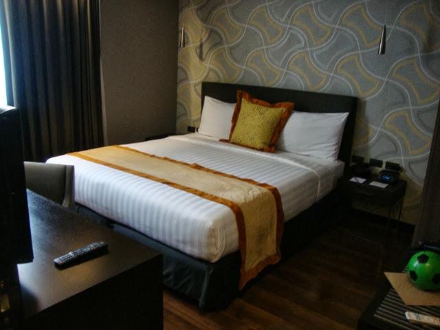 F1 Hotel Manila Fort Suite