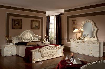 Set Tempat Tidur Klasik Italian Racoco Ukiran Jepara