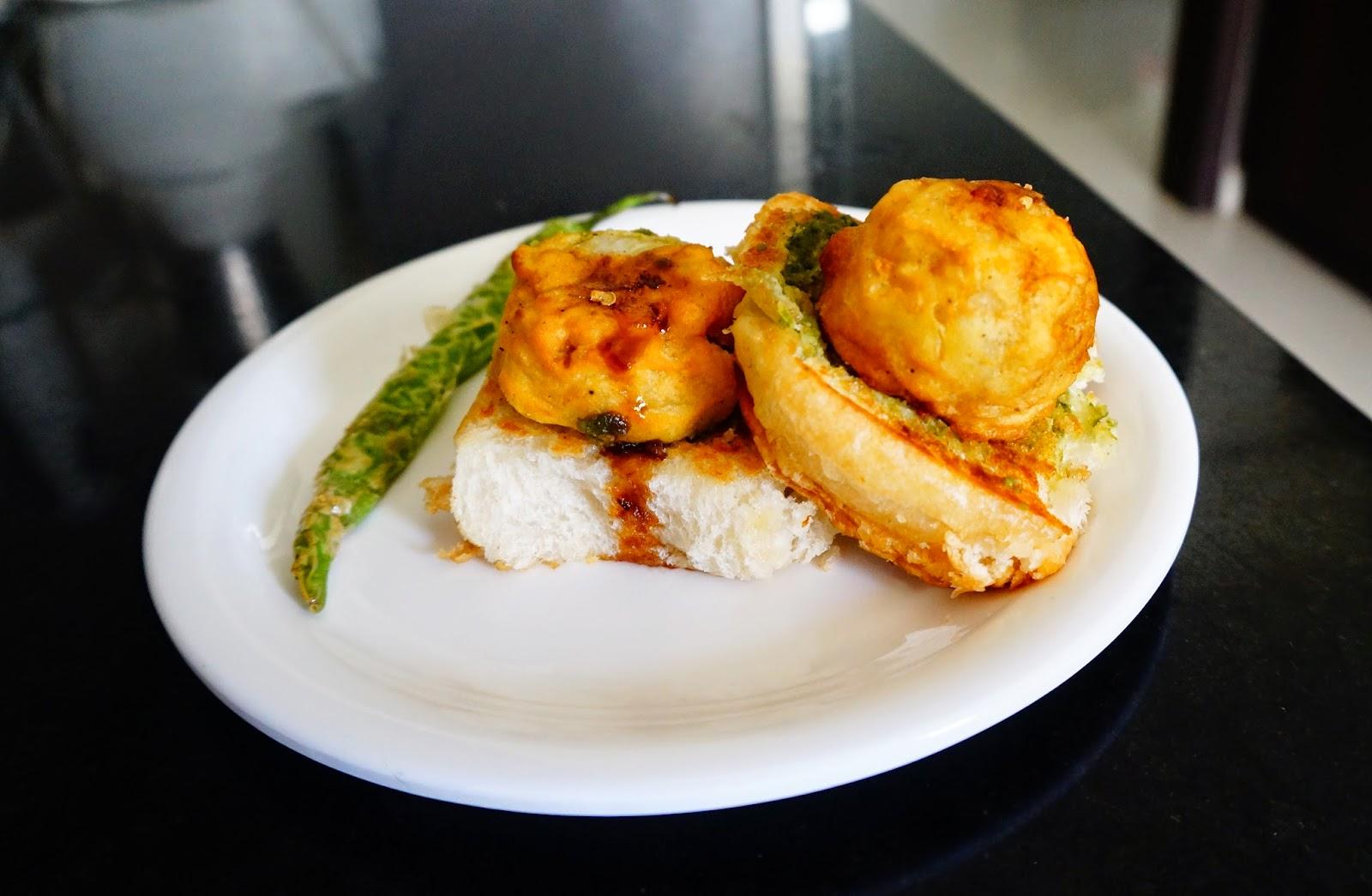 Vada Pav, Indian burger, Bombay vada pav, wada Pav