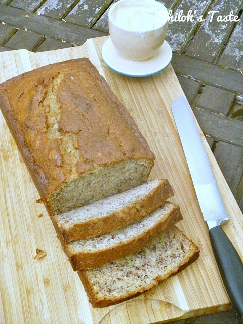 Banana Bread with the best crust