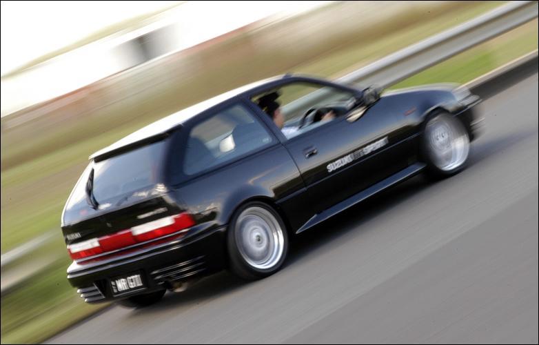 774 Tuning Volkswagen Golf 2 Gti as well Suzuki Swift 1990 1993 Ac  pressor together with 64 Fmsbkmk5 Kit Impianto Frenante Maggiorato Dischi 330 X 32mm also 2012 Camaro convertible eu version in addition Rob Taylor Dakota And Kristen Screen. on suzuki swift gti mk2