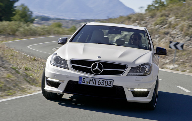 2011 Mercedes-Benz C63 Super Luxury Cars
