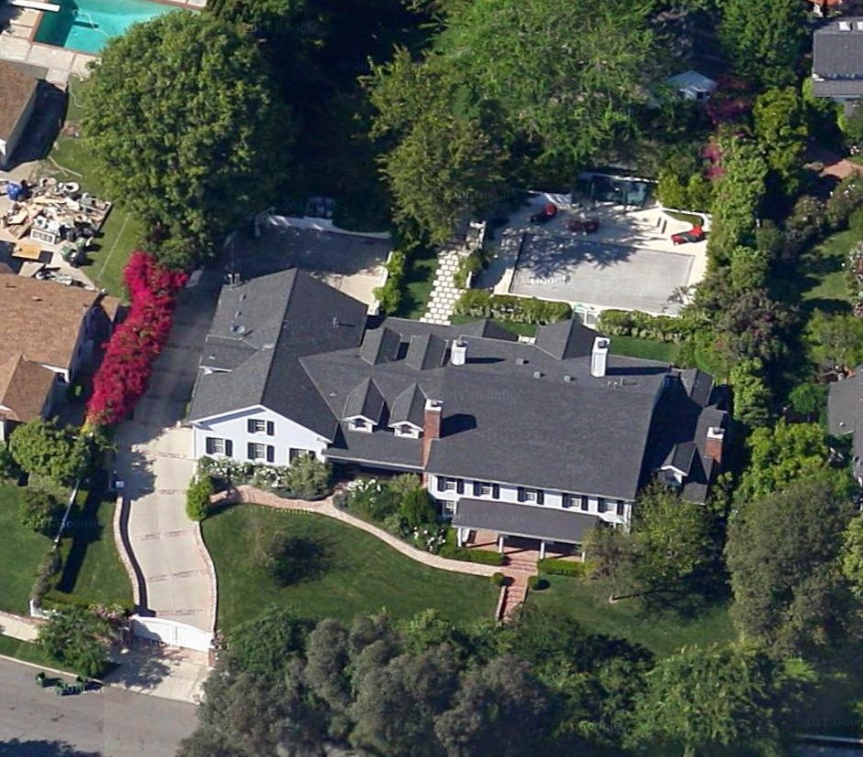 Steve Carell house in Toluca Lake