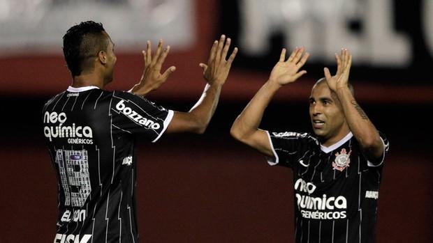 Libertadores 2012 - Nacional-PAR 1 x 3 Corinthians