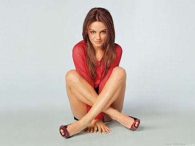 Mila Kunis Full HD Wallpaper
