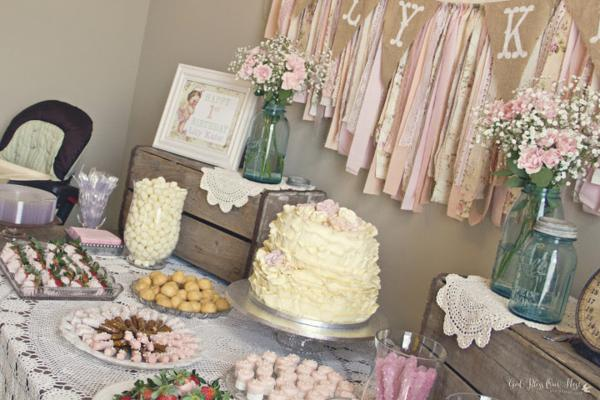 I Love The Look Of A Shabby Chic Party And This One Is Just Adorable From Karas Ideas You Can See Entire Post Here