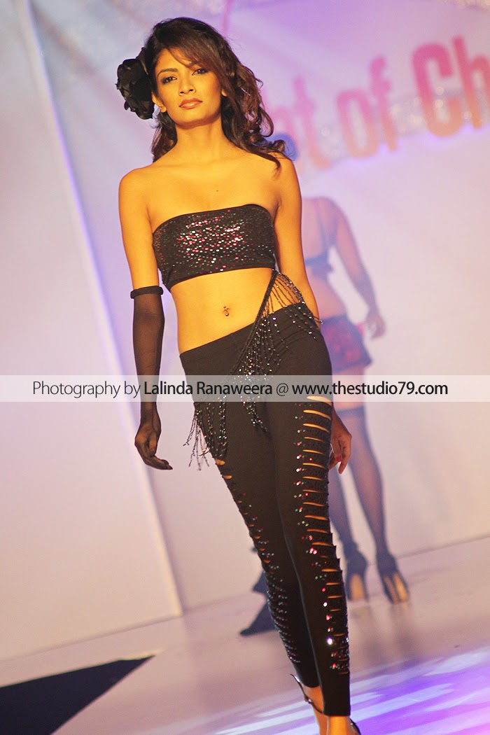 Sri Lanka Fashion Models navel