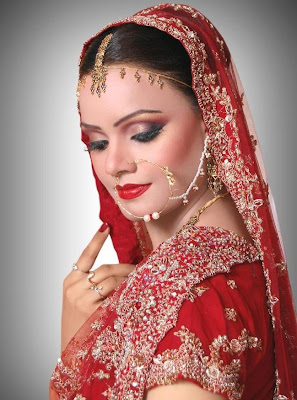 Pakistani Bridal Dresses Makeup Wear Eye Makeup Mehndi Designs Hairstyle Dresses Jewllery ...