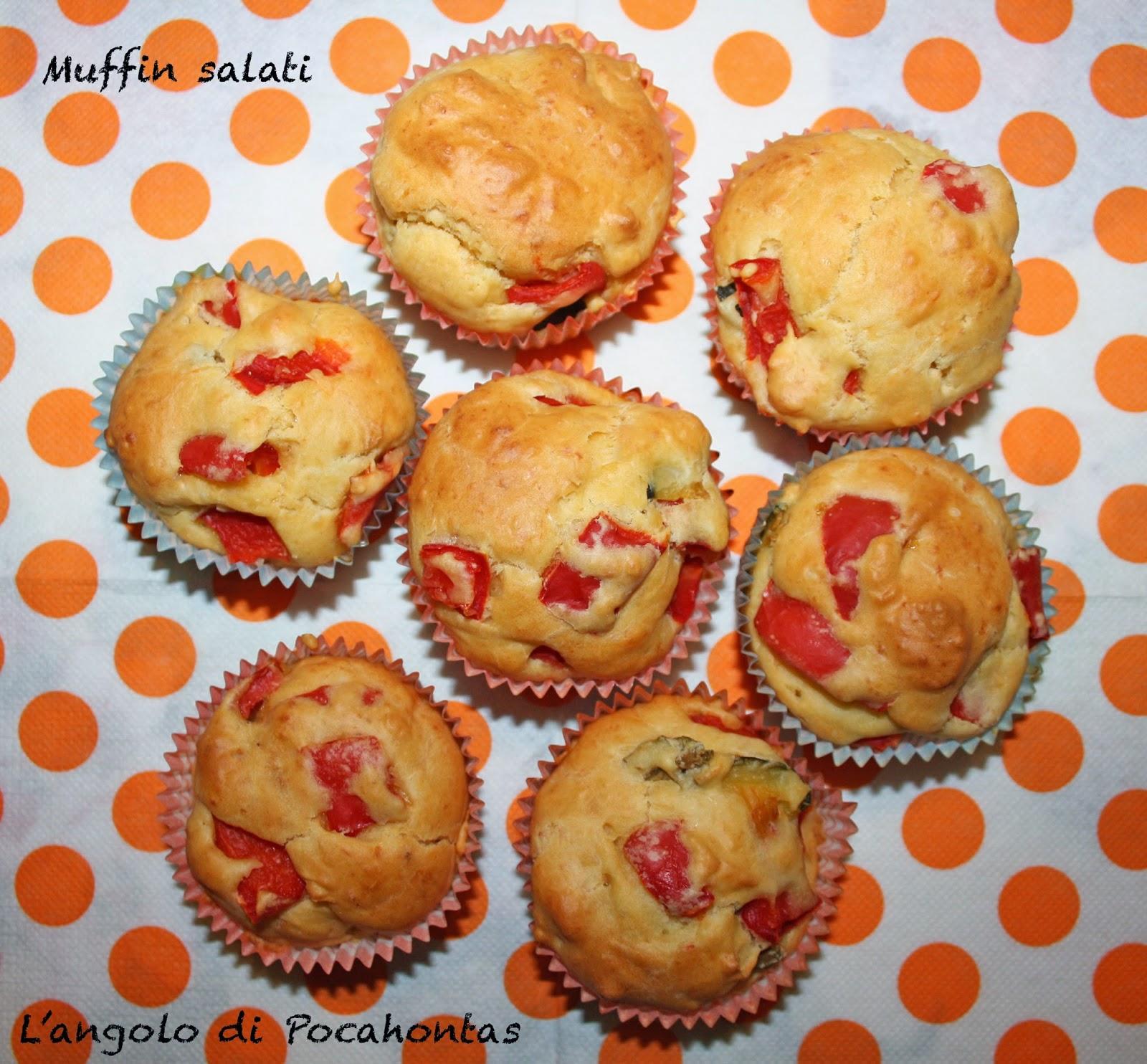muffin salati con peperoni e olive