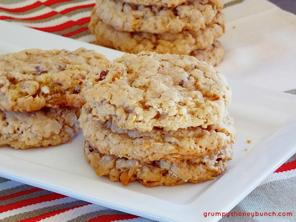 Vanishing Oatmeal Cookies - Quaker recipe for chewy cookies