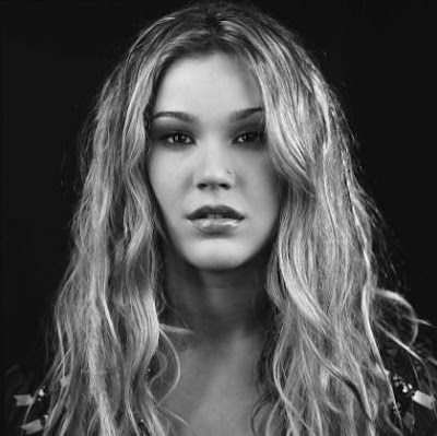 Trendy+Long+Curly+Hairstyle+with+Blonde+Hair+Color+for+Teenage+Girl+from+Joss+Stone The girl's body has never been found and no suspects ever named.