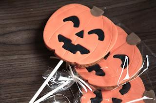 biscotti decorati con lo stecco per halloween!