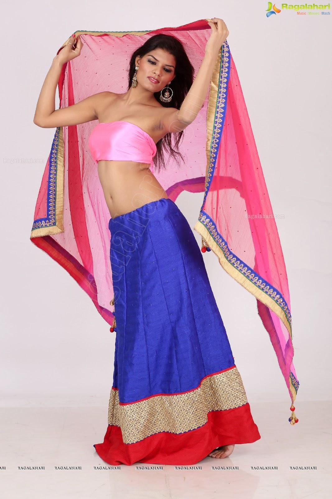 bhabhi saree strip