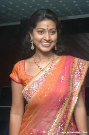 actress in saree sneha