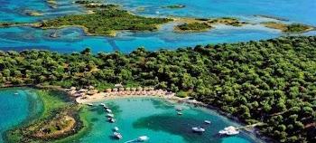 Οι Σεϋχέλλες της Ελλάδας: Τα άγνωστα νησάκια με τα τιρκουάζ νερά, 1,5 ώρα από την Αθήνα ~ εικόνες βίντεο