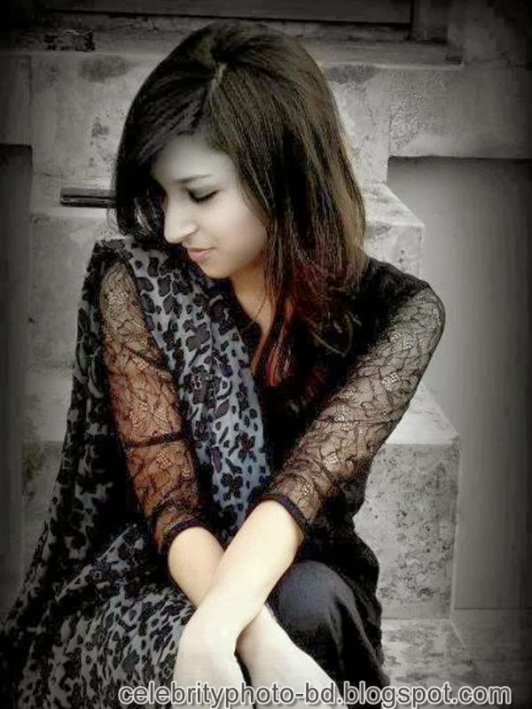 Ishana+facebook+Orginal+Picture+Collection008