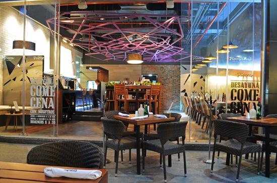 Podio restaurante piccoco por bixba arquitectura for Restaurante arquitectura