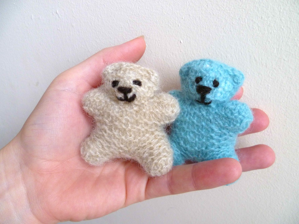 Tiny Teddy Bear Knitting Patterns : The Greedy Crocodile, and friends: Tutorial - How to knit a teeny teddy