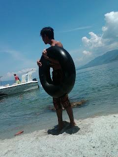 Foto Saya Di Danau Toba