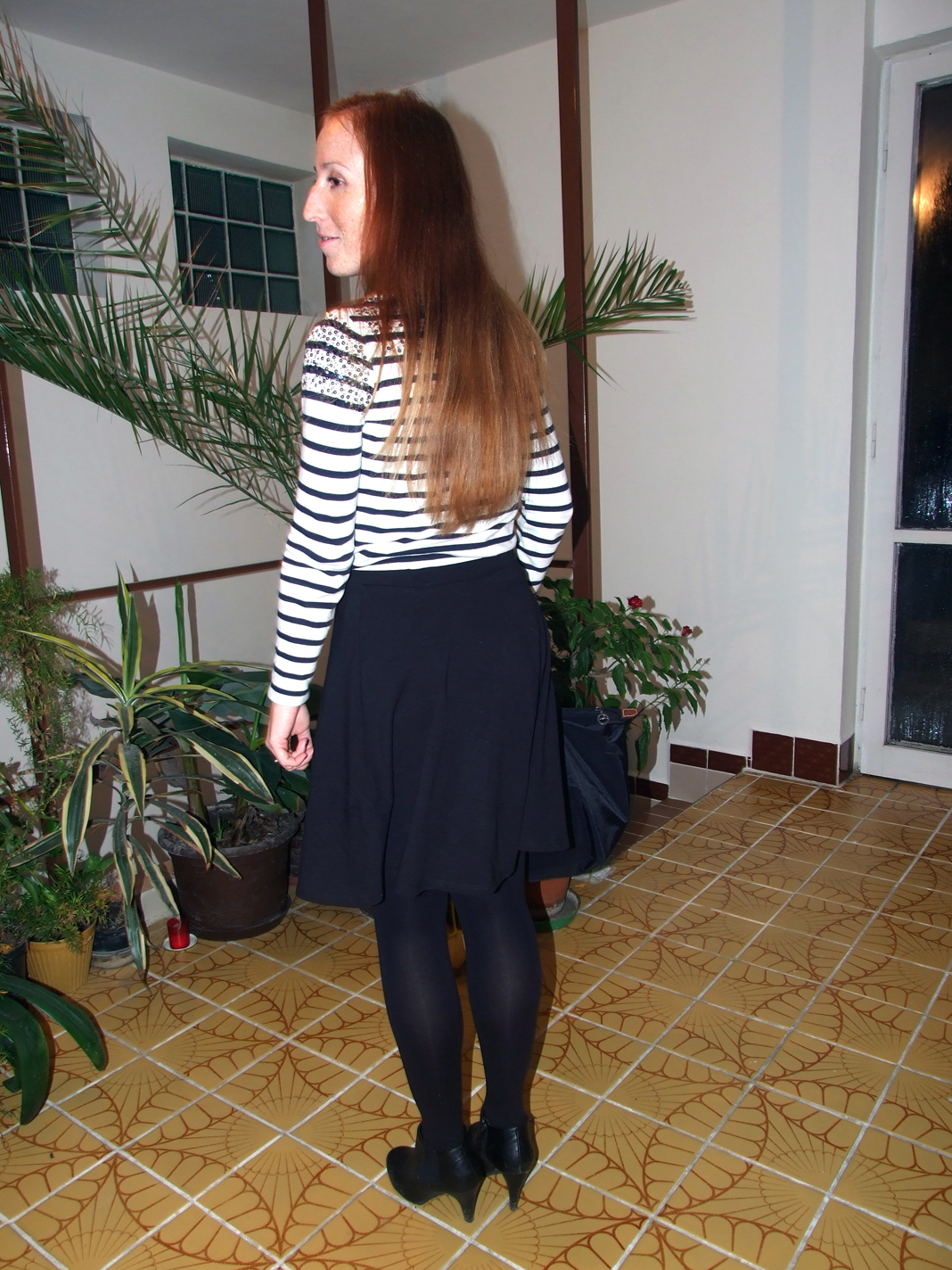 Pleated skirt pantyhose girl